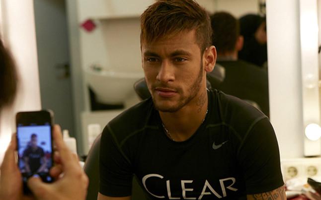 Neymar renueva el patrocinio con Unilever