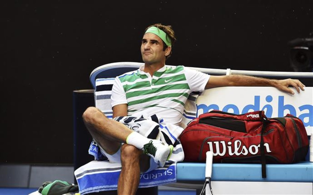 Federer, perseguido por un dinosaurio por las calles de Par�s