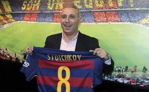 Stoichkov dejó huella con el dorsal número ocho en el Camp Nou