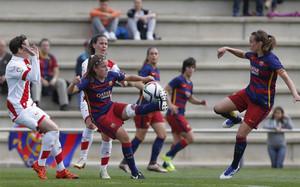 El Barça femenino goleó a placer al Rayo