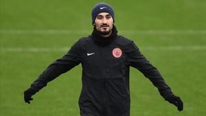 Gündogan, indignado con el arbitraje de Mateu Lahoz