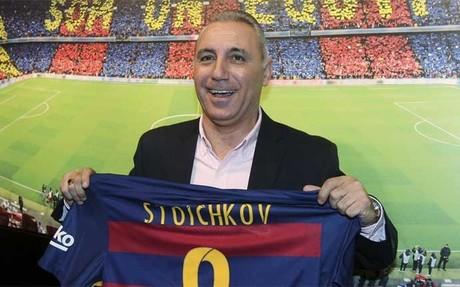 Hristo Stoichkov, exjugador del Bar�a, dio sus razones para el veto de Florentino P�rez