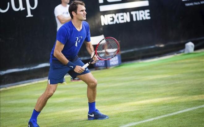 Roger Federer durante uno de sus entrenamientos en Stuttgart