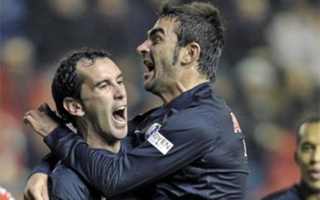 Godin se estrenó como goleador | Foto: EFE