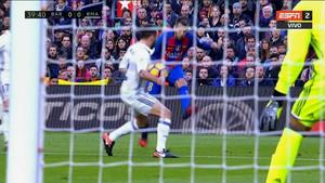 Jordi Alba se las tuvo con Kovacic