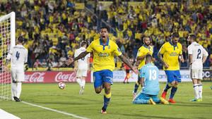 Araujo celebra su gol frente al Real Madrid (2-2)