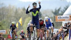 Alejandro Valverde celebra su quinta Flecha Valona
