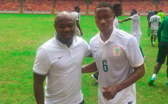 Godswill coincide con Amunike en Nigeria