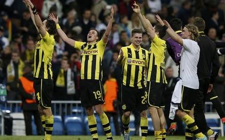 Los jugadores del Borussia Dortmund festejan su clasificación para la final