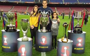 Bravo se fotografió con sus hijas