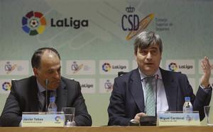 Javier Tebas, junto a Miguel Cardenal