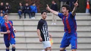 Mateu Morey celebra un gol con la camiseta azulgrana