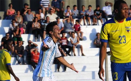 Giovanni Simeone celebra uno de sus goles ante Ecuador en el Sudamericano Sub 20