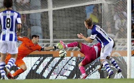 Iker Casillas pudo haber hecho m�s en alguno de los goles que encaj�