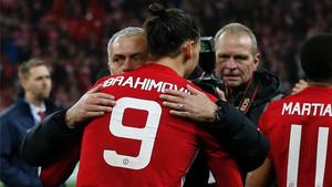 Mourinho felicitó a Ibrahimovic tras su decisivo doblete