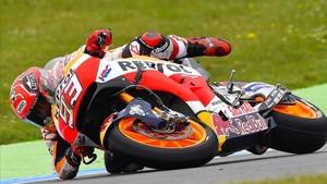 Márquez ya lleva dos caídas en cinco carreras