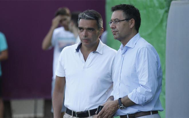 Albert Soler y Josep Maria Bartomeu durante el entrenamiento del Bar�a del 23 de julio
