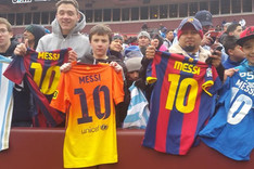 Camisetas de Leo Messi en las gradas de Washington