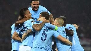El Manchester City goleó al Feyenoord a domicilio
