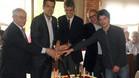 El corte de la tarta conmemorativa del cuadragésimo aniversario