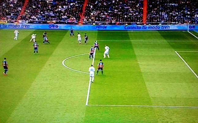 El gol del real madrid al elche en fuera de juego taringa for Fuera de juego real madrid