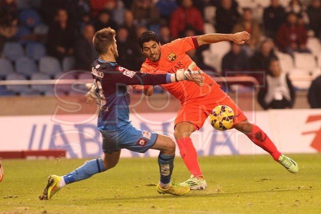 صور : مباراة ديبورتيفو لاكورونيا - برشلونة 0-4 ( 18-01-2015 )  1421614445096