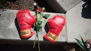 Los guantes de Ali, una leyenda del deporte USA