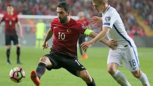 Arda Turan fue titular en el último partido de Turquía ante Finlandia (2-0)