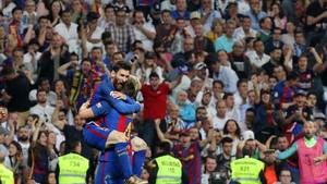 Los aficionados del Barça se dejaron ver en el Bernabéu