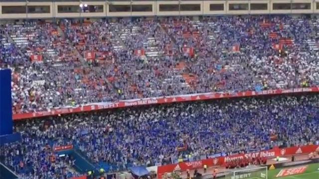 Así anima la afición del Alavés en el Calderón