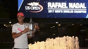Nadal, con la copa de campeón del US Open