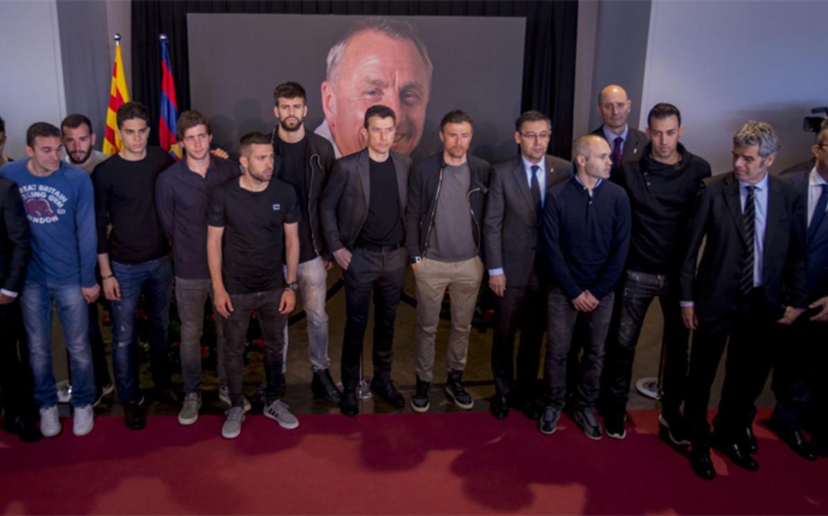 La plantilla del Barcelona prepara un homenaje especial para Johan Cruyff