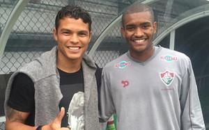 Marlon Santos, junto a su ídolo y su espejo, Thiago Silva