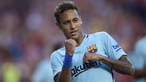Neymar marcó el primer gol del partido