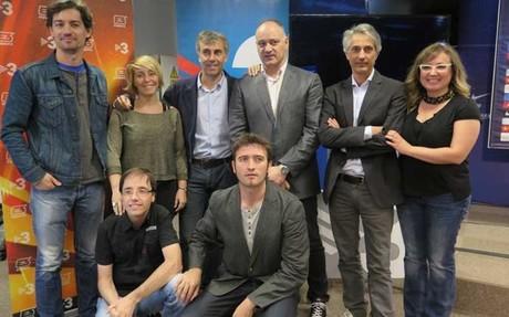 Los autores del reportaje, con Carles Folguera