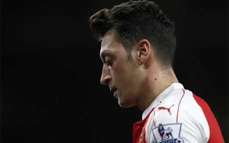 Ozil no tiene su permanencia asegurada en el Arsenal
