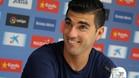 Reyes se mostr� muy sonriente en su comparecencia ante los medios