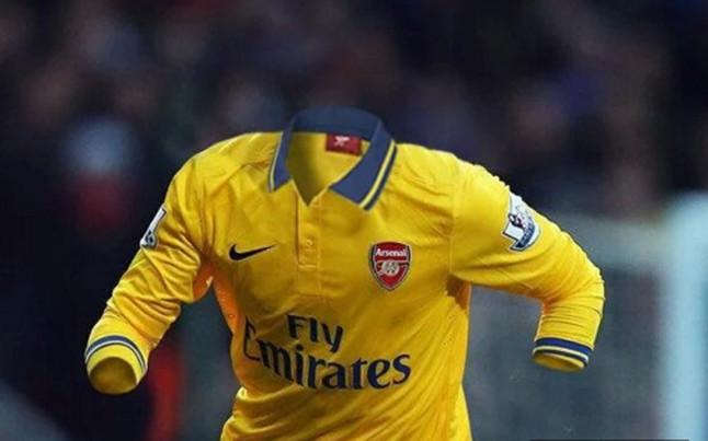 �zil, en el centro de las cr�ticas de los aficionados del Arsenal