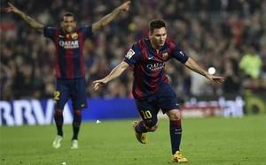 Messi celebrando el gol que le convertía en el máximo goleador histórico de la liga española