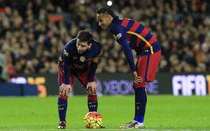 Messi y Ney, en una acción del Barça-Betis