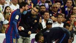 Messi tuvo que ser atendido por el doctor Pruna