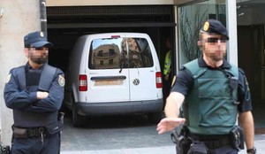 La policía sigue en el domicilio de Sandro Rosell