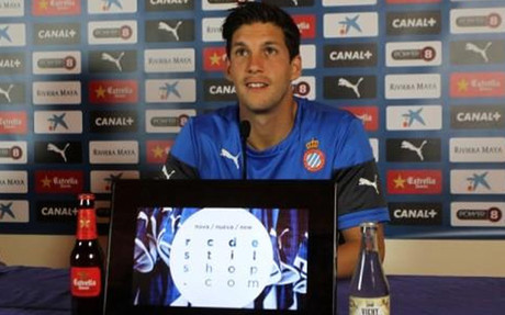 Javi L�pez, durante una rueda de prensa