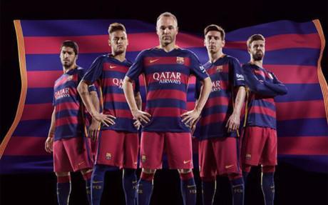Las franjas de la camiseta del Bar�a pasan a ser horizontales