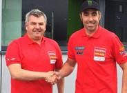 Nani Roma, junto a Jean-Marc Fortin, director de Overdrive Toyota