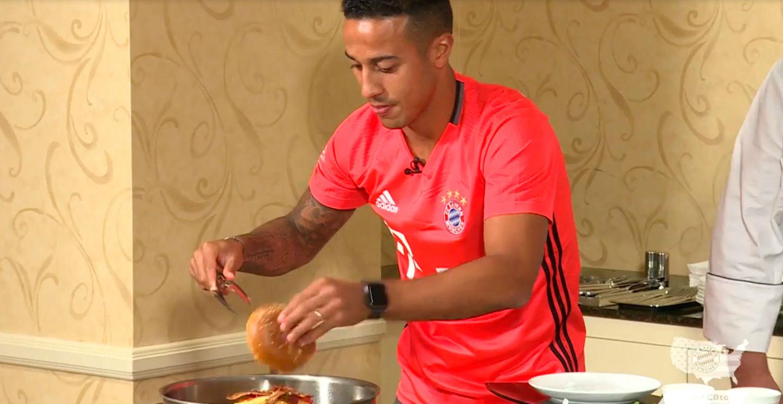 Thiago demuestra sus dotes culinarias