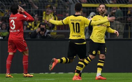 El Dortmund gan� al colista por la m�nima