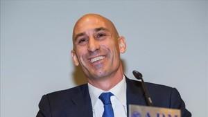 Luis Rubiales aspira a la presidencia de la FEF