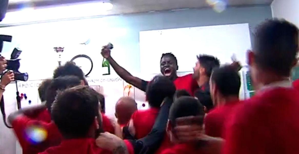 El Reus celebra por todo lo alto su ascenso a Segunda Divisi�n