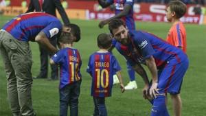Messi lo celebró con sus hijos